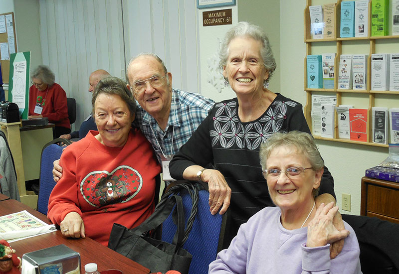 seniors having lunch at gold country community services